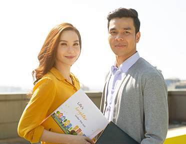 Choose to #LiveBrighter and become a Sun Life Financial Advisor